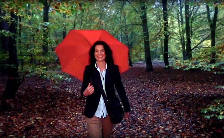Video der Woche: Herbstlaub Regen